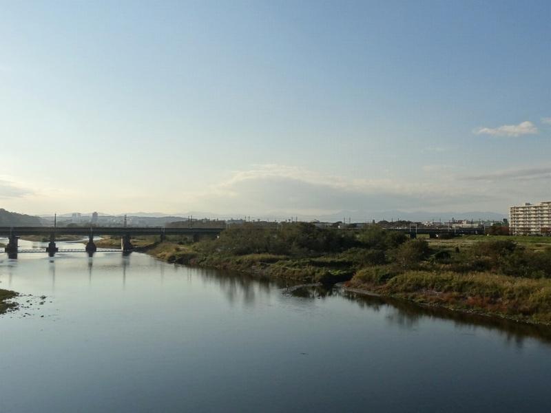 多摩川を是政橋から望む
